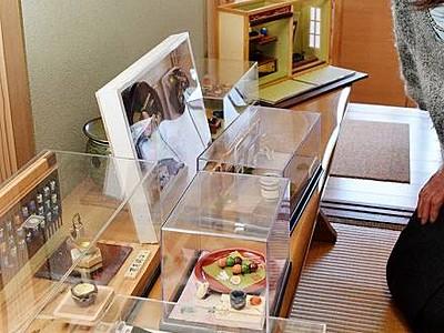 昭和の暮らし、食品をミニチュアで表現 坂井の早崎さん