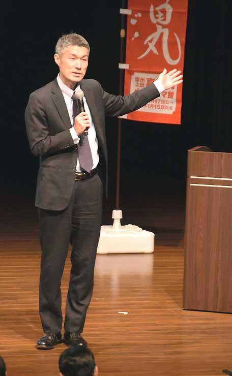 「真田丸」について、視聴者から寄せられた意見などを紹介する屋敷さん