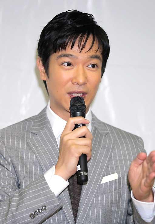 インタビューに答える堺雅人さん=8日、東京都