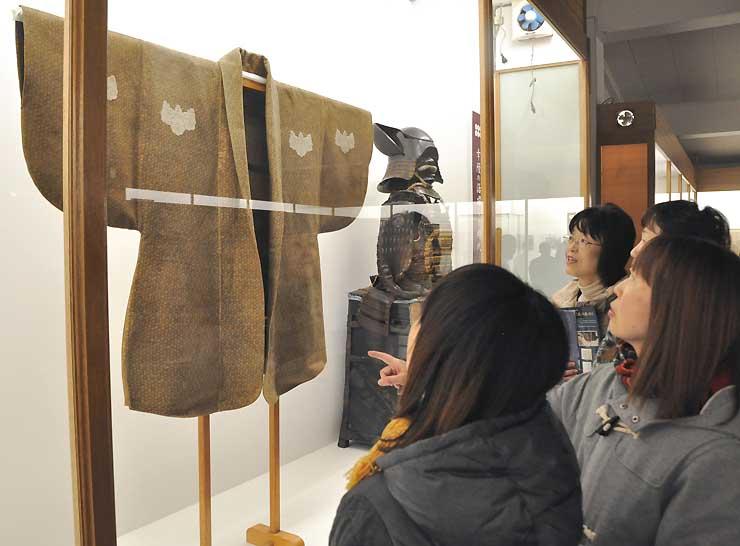信長が着たとされる重要文化財の韋胴服