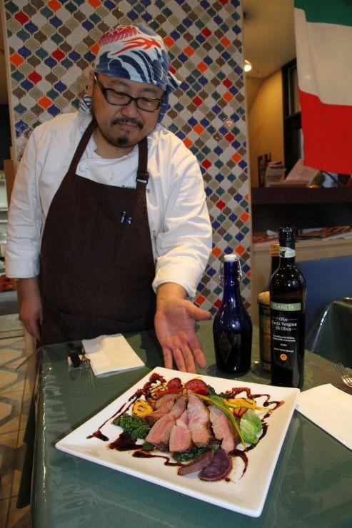 バグダッドカフェの特別メニュー佐渡産島黒豚のロースト=23日、新潟市中央区米山1