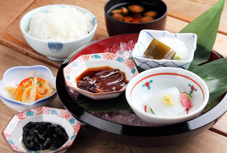 県産食材をふんだんに使った富山マンテンホテルの朝食