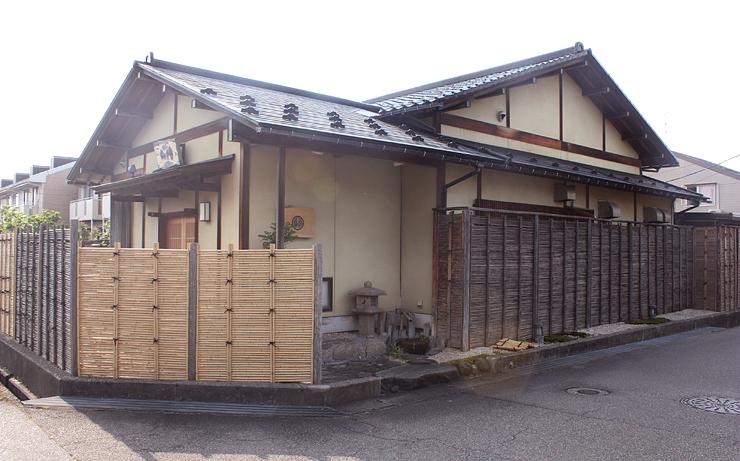 最高ランクの三つ星に選ばれた日本料理店「山崎」=富山市布瀬町南