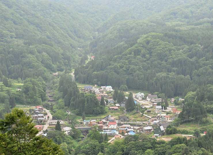 県北の秘境として知られる秋山郷。栄村が観光振興に力を入れる