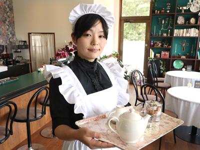 英国風メイドのおもてなし 念願の喫茶店開業
