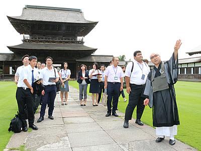 修学旅行誘致目指す 旅行会社担当者ら瑞龍寺など視察