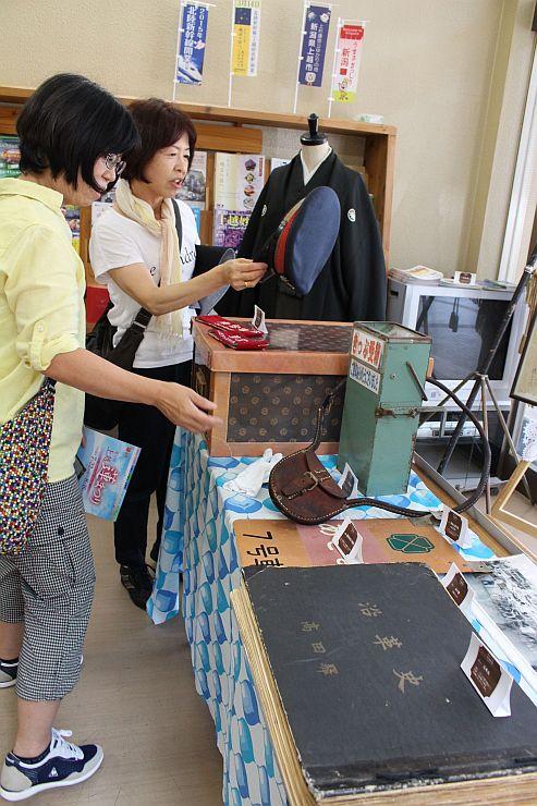 高田駅130年の歴史をたどる写真展「鉄道の夜明け」=上越市仲町4