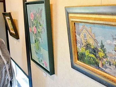 福井出身画家がパリの風景披露 あわらで個展、8月27日まで