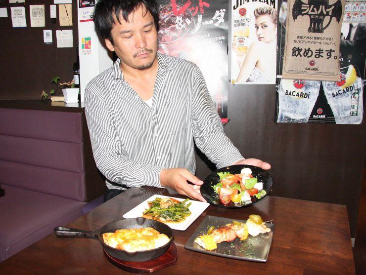 「世界のタパス祭り」の料理=17日、新潟市中央区米山1の「バル メッサーナ」