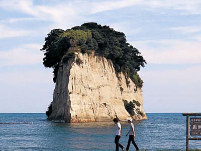 見附島、市文化財に 奥能登屈指、珠洲の観光名所