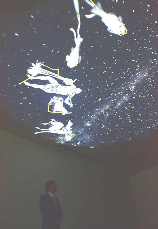 星座を映す八ケ岳グレイスホテルのプラネタリウム