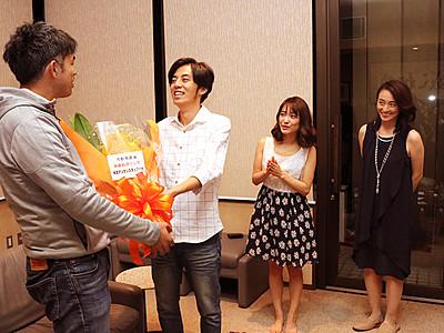 高岡鋳物の映画「デンサン」クランクアップ 来春公開