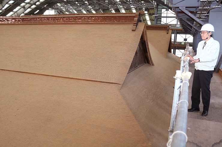 「こけら板」に覆われた本坊の屋根