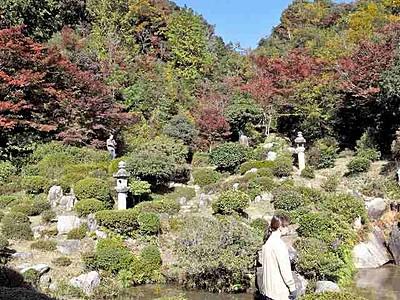 国名勝庭園の紅葉麗し 敦賀・西福寺と柴田氏庭園