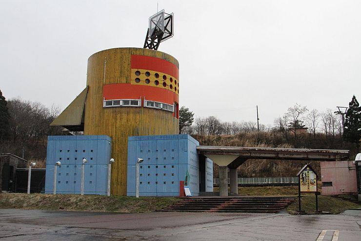音楽イベントの会場となる「紙の美術博物館」=長岡市小国町上岩田