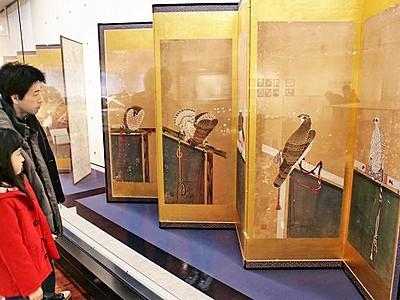 トリ尽くしの屏風や絵馬 干支にちなみ企画展、歴史博物館
