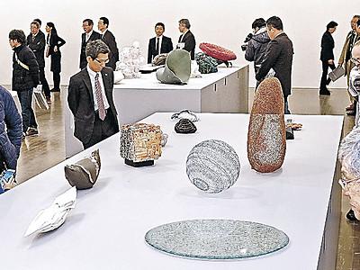国内外の意欲作が集結 金沢・世界工芸トリエンナーレ