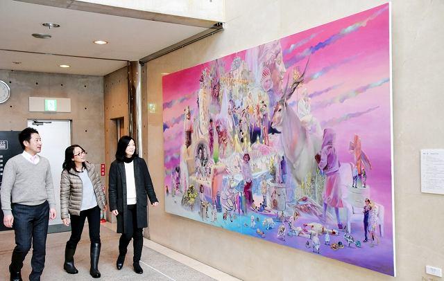 ドイツで修業を積んだ熊野さんの作品が展示されている市庁舎ギャラリー=鯖江市役所