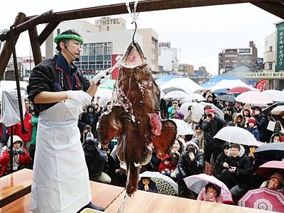糸魚川に復興の幸 あんこう祭り5000人にぎわう