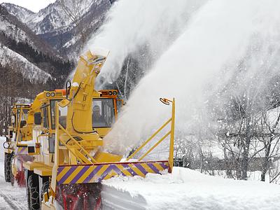 「春の道」除雪スタート 立山黒部アルペンルート