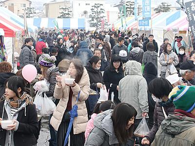 くま鍋・海の幸に列 上市で「剱岳雪のフェス」