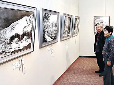 濃淡の美、情緒豊か 小松市水墨画協会展が開幕