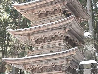 桜のライトアップ20回目へ 駒ケ根・光前寺、三重塔や参道にも