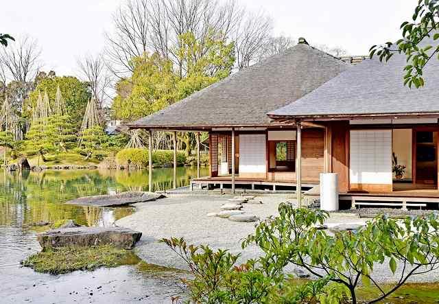 米専門誌の2016年日本庭園ランキングで5位となった養浩館庭園=福井市宝永3丁目