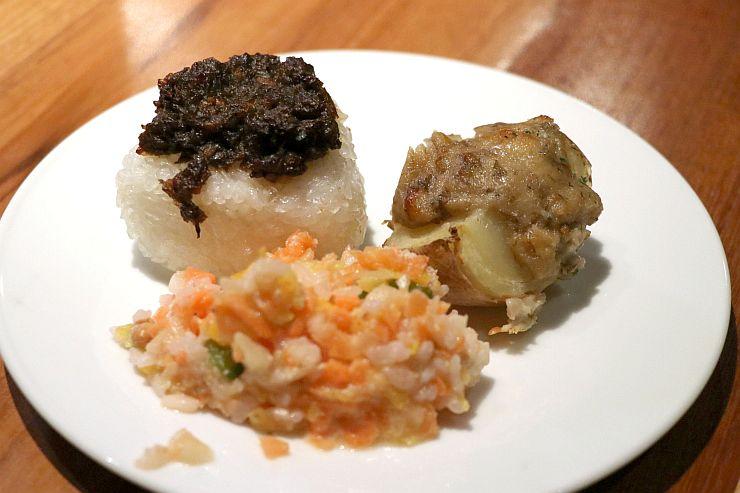 ピースキッチン新潟が開発した減塩メニュー=21日、新潟市中央区