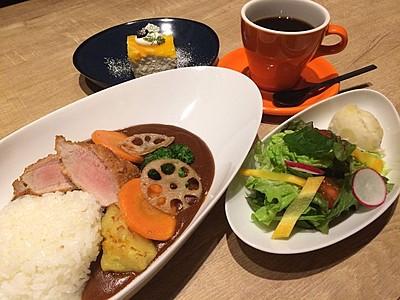 J1アルビ応援ランチ 県産食材使用 JA運営レストラン