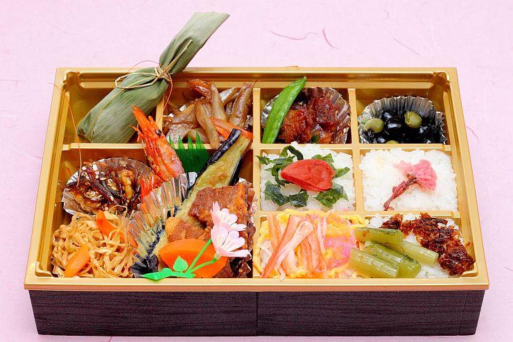 3月12日から上越妙高駅で販売される北国街道お弁当(ホテルハイマートより提供)