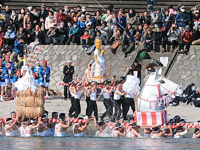 天竜川 飯田・時又の「はだか祭り」最高潮