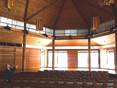 メロディーが彩る2年間 南牧・八ケ岳高原音楽堂30周年記念