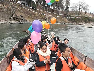 天竜川、春の風感じる川開き 飯田「天龍ライン遊舟」