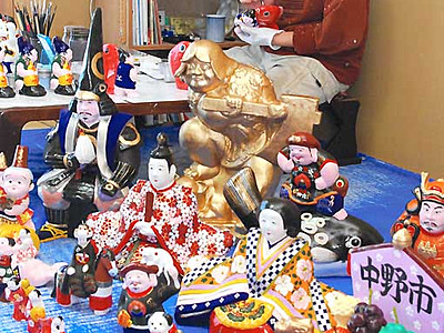 素朴な風合い土人形 「中野ひな市」へ制作大詰め