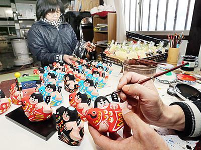 五箇山和紙の五月人形作りピーク 南砺