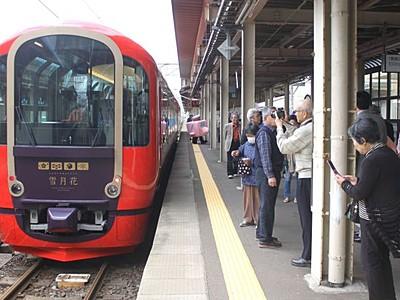トキ鉄「雪月花」1年 平日運行が増加稼働率アップ