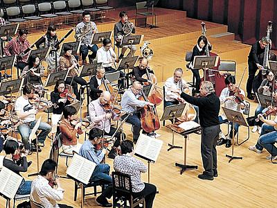 あす音楽祭開幕、音合わせ 音楽堂で公開リハ