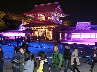 国宝 春の彩り 瑞龍寺ライトアップ