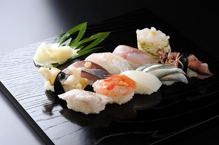 県内57店舗で提供されている「富山湾鮨」