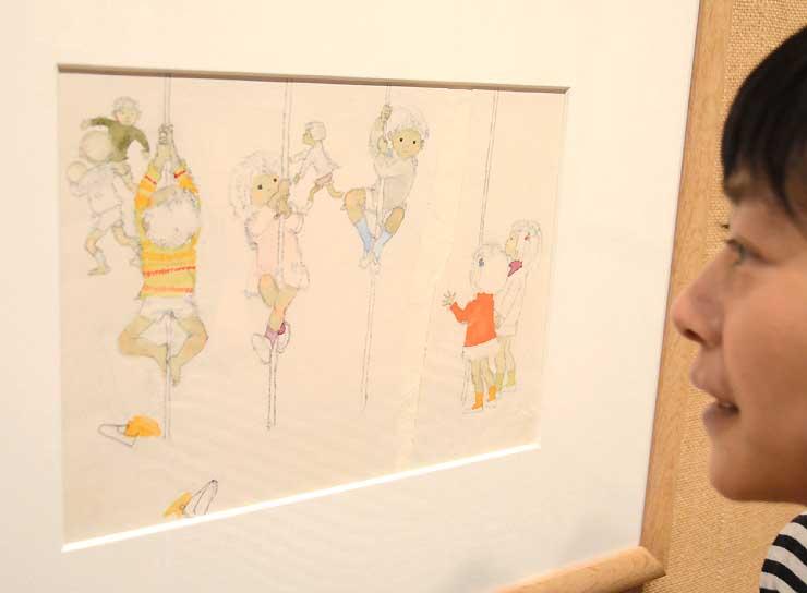 第2期の開館20周年記念展に並ぶ、いわさきちひろが描いた子どもの絵