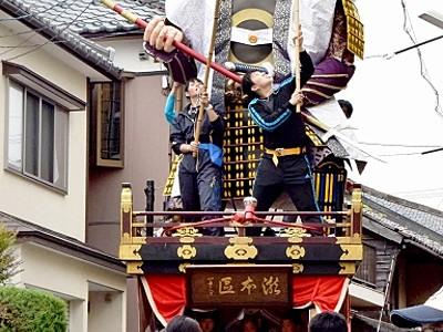 19日から「三国祭」 出陣迫る人形山車が渡り初め