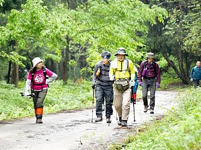 日本百名山、荒島岳が山開き 地元団体が安全祈願