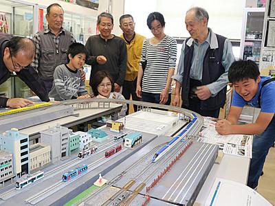 城端線ジオラマ展示 砺波駅で「にぎわい市」