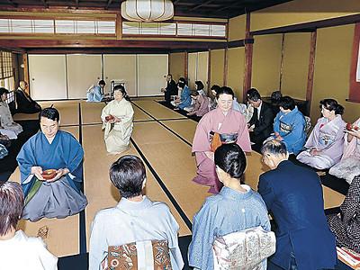 百万石の母しのび一服 加賀・梅鉢茶会、まつ没後400年