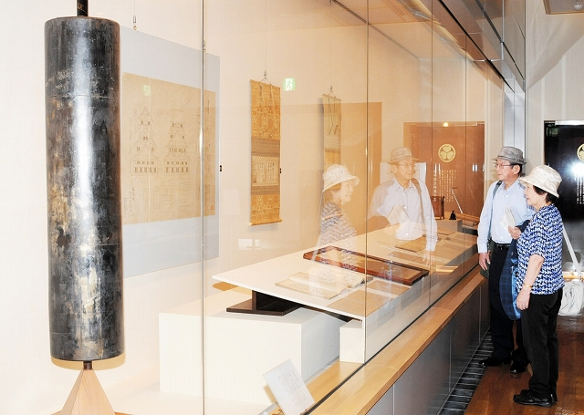 初代福井藩主の結城秀康や重臣の活躍を紹介する企画展=福井市立郷土歴史博物館