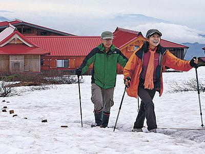 残雪多め、登山客まばら 白山、あす夏山開き