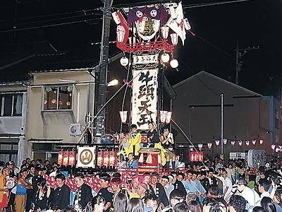 奉燈11基、港町練る 七尾・大地主神社の「七尾祇園祭」