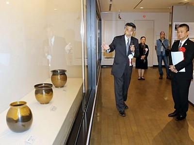 島ゆかりの人間国宝 4人の芸術作品共演 佐渡博物館