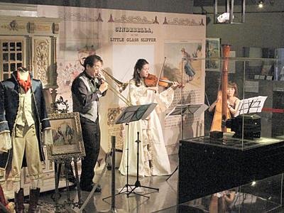 まちじゅう芸術祭が開幕、諏訪湖周の17美術館・博物館参加